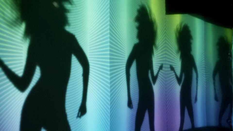 FM Laeti, I wanna dance