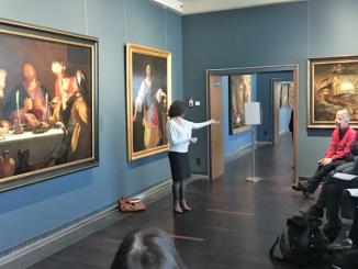 photographie d'un groupe de visiteurs lors d'une visite en pleine conscience au musée Old masters à Bruxelles
