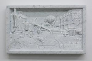 Wim Delvoye, Untitled (Fortnite 01), 2018, marbre, 64 x 38,5 x 10 cm © Courtesy Wim Delvoye / photo: Studio Delvoye