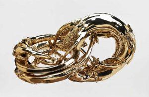 Wim Delvoye, Dual Möbius Quad Corpus, 2010, bronze poli, H 167 x 93 x 124 cm © Courtesy Wim Delvoye / photo: Studio Delvoye