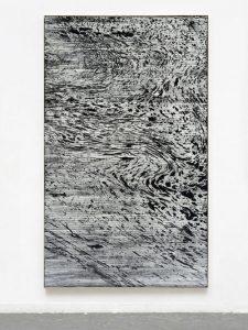 Gregor Hildebrandt, Die Tränen des Triton, 2019. VHS magnétique, tape adhésif et acrylique sur toile 247 x 149 cm