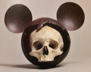 "Nicolas Rubinstein, ""Mickey is also a rat"" Mickey Fucky, 2010, 48 x 39 x 24 cm, bronze original peint et vernis, 2017. © photo: Fabrice Bertin Maghit."