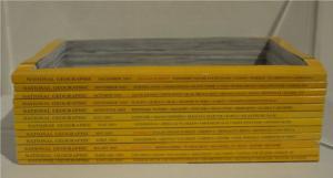 Nicolás Lamas, Empty Box, 2016. 25 x 17.5 cm x 8 cm, Magazines National Geographic découpés, Collection Tom Jonckers, Sterrebeek. Centre de la Gravure et de l'Image Imprimée, La Louvière. © L. Segard, 2021.