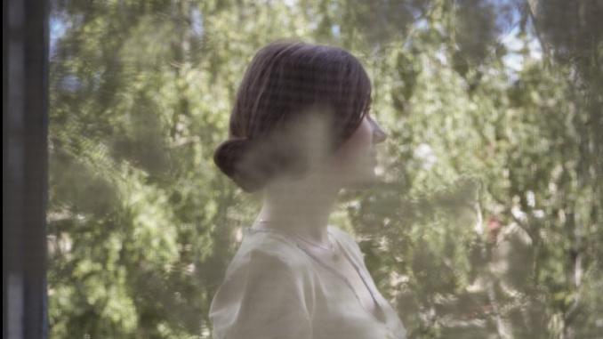"""Détail d'une photographie de la série """"Les filles de Tourgueniev"""" © Philippe Herbet © Galerie Jacques Ceram"""